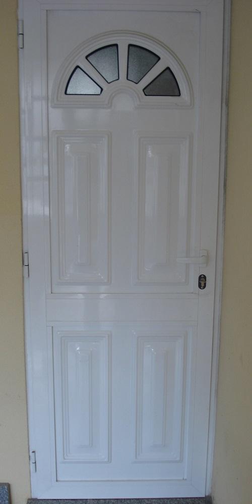 Panel de la puerta con el vidrio